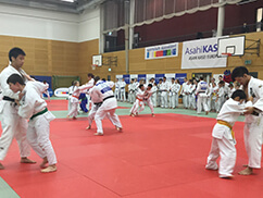 Asahi Kasei's Olympic Medalists Give Judo Lessons in Germany