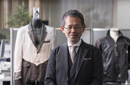 Interview with Tatsuji Kobayashi, President and CEO of L.TOP CO., LTD. The functionality of Bemberg™ and the unique expressive properties of yarn dyeing produce lining unlike anything else