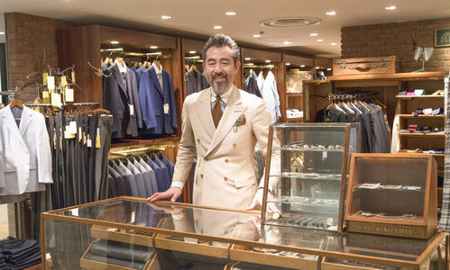 A leading senior buyer at Matsuya Ginza, Shunichi Miyazaki shares with us the value of a suit and how to enjoy made-to-measure clothing through an approach that can only be taken by a department store